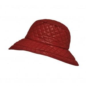 Chapeau matelassé, Rouge